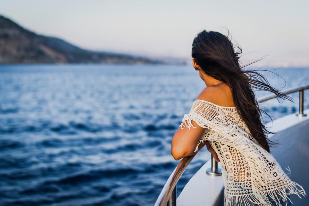How much does it cost to rent a boat? Rent a unique experience with Amoyachts