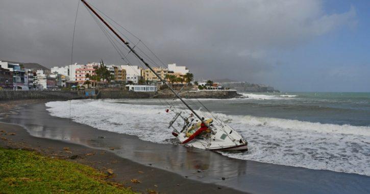Are sailboats safe? Risks at sea