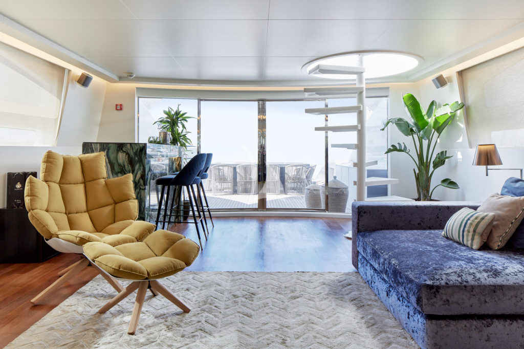 Blueyjay Interior