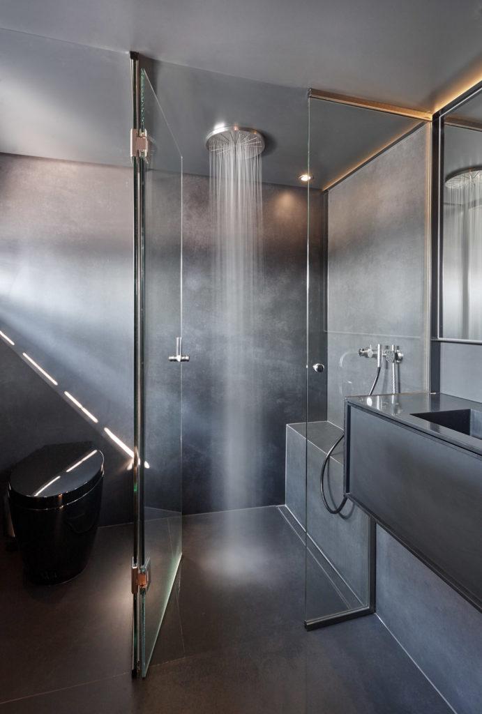 Midori Master Shower