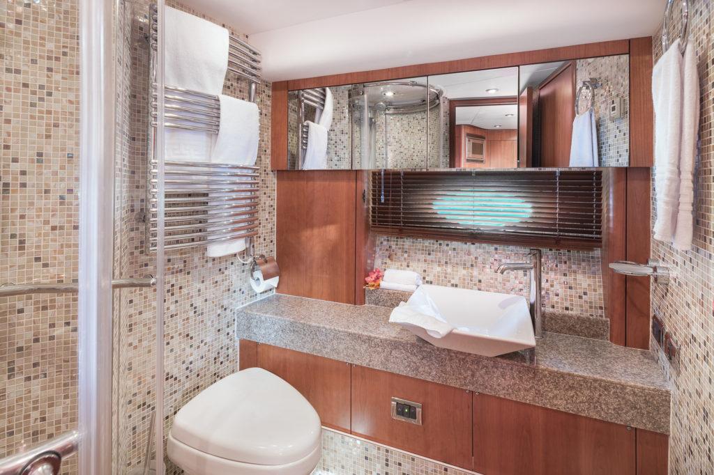 Predator72N9 Bathroom2