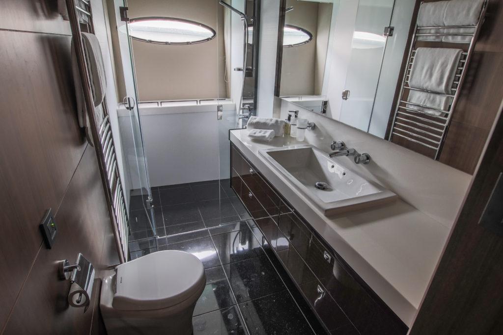 PrincessV72 Bath