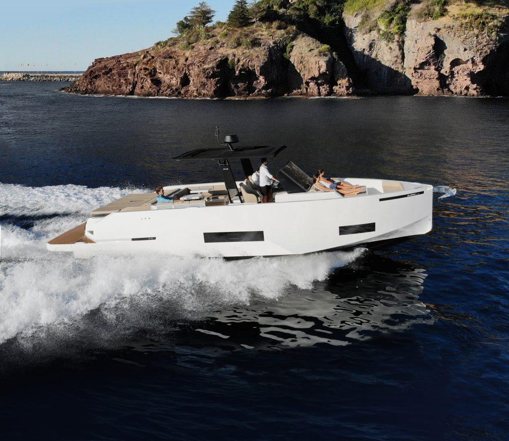 De Antonio Yachts D42 01