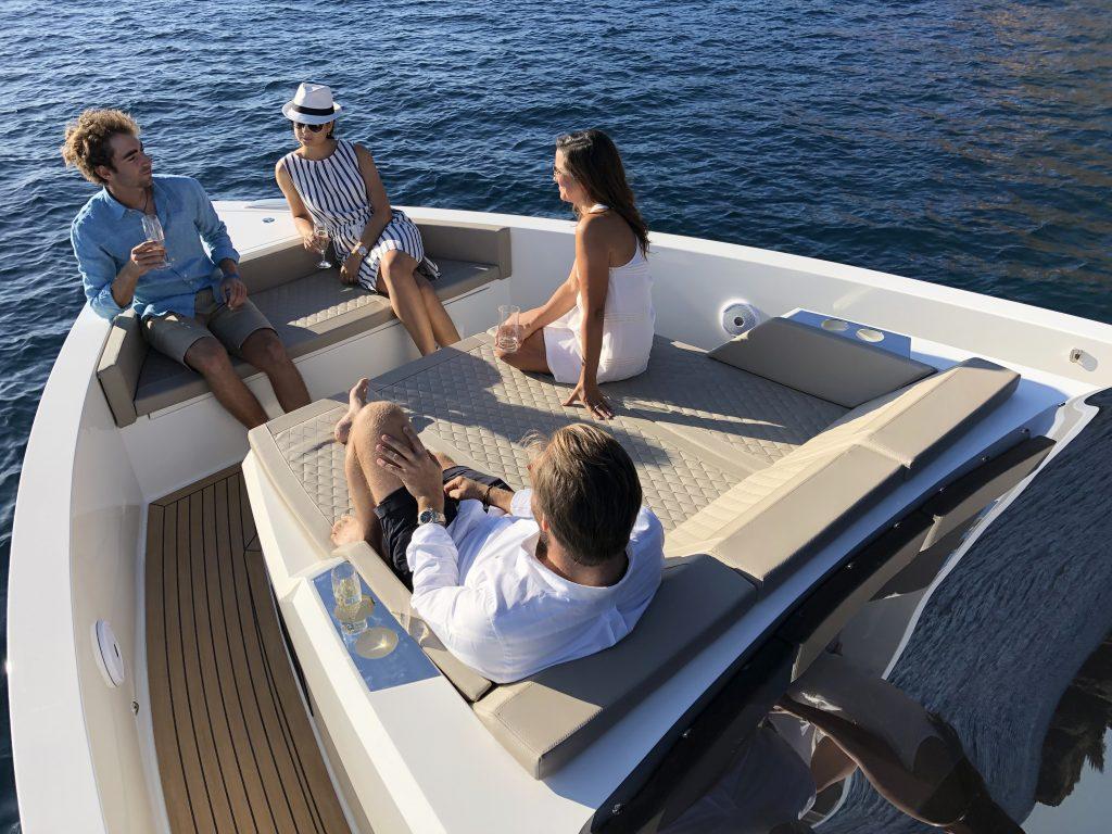 De Antonio Yachts D42 12