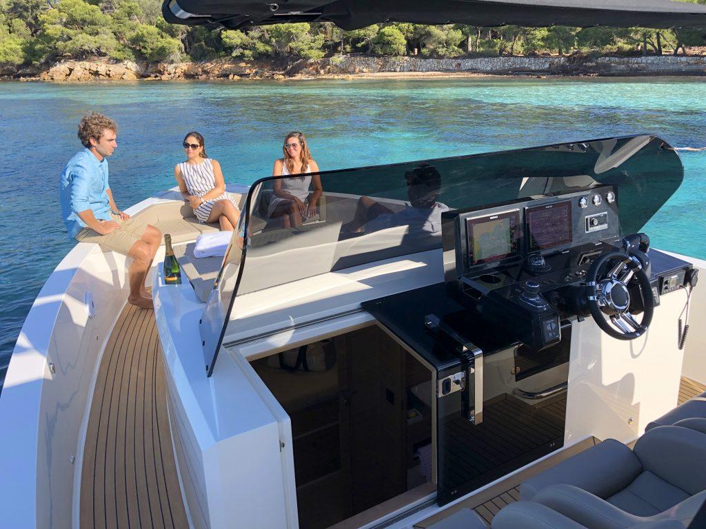 De Antonio Yachts D42 16