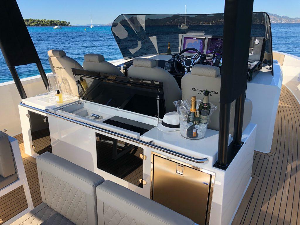 De Antonio Yachts D42 21