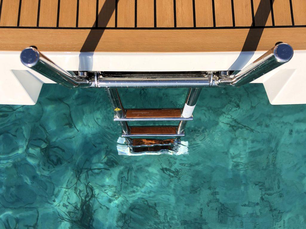 De Antonio Yachts D42 24