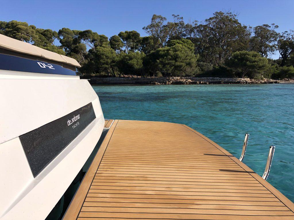 De Antonio Yachts D42 25