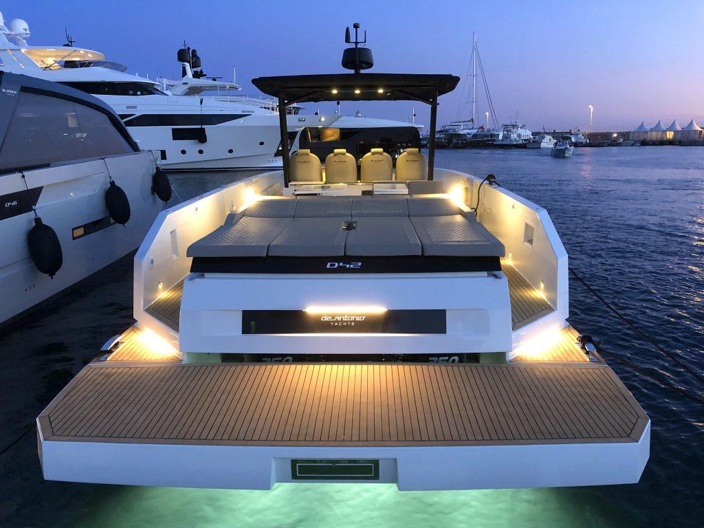 De Antonio Yachts D42 27