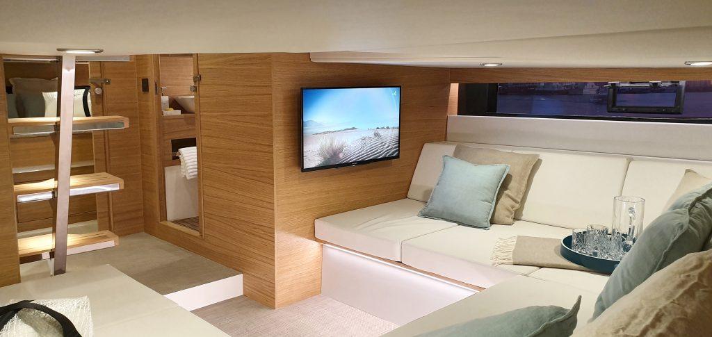 De Antonio Yachts D42 28