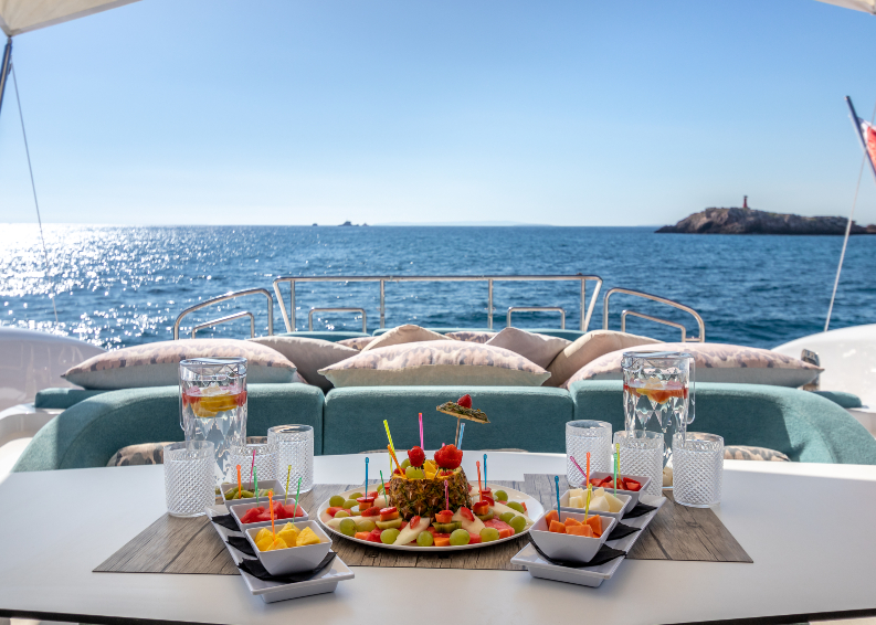 Alquiler de yates para pernoctar en Ibiza