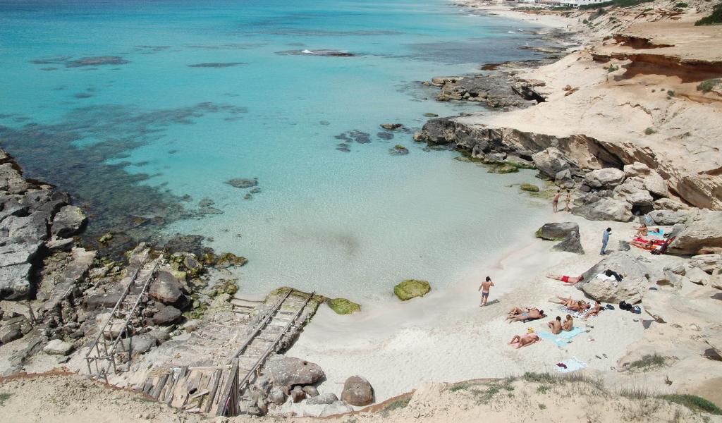 Cala Des Mort, Formentera