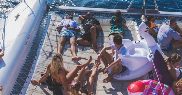 Evento de empresa en un barco en Ibiza